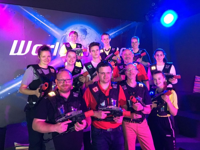 TVE-Handball-Schiedsrichter auf Lasertag-Tour